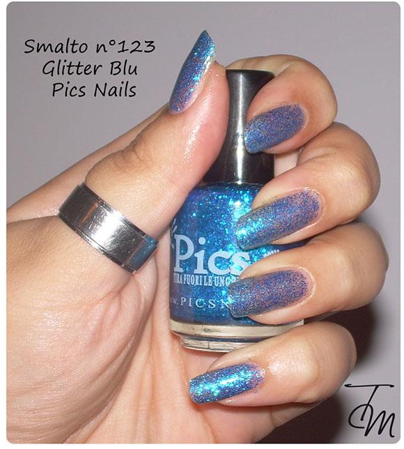 smalto glitter blu n swatch con boccetta dritta