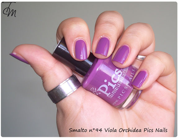 Swatch-Review-smalto-n94-viola-orchidea-pics-nails-boccetta-storta