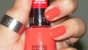 smalto revlon scented parfume n  mad about mango swatch boccetta dritta