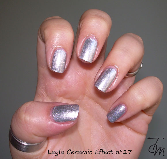 swatch-layla-ceramic-effect-n27-mano-intera
