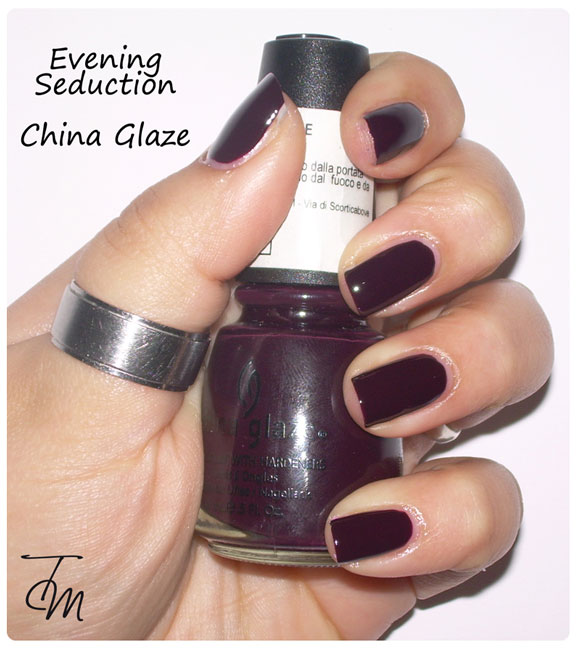 swatches-evening-seduction-china-glaze-boccetta-dritta