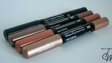 Make Up For Ever Aqua Shadow [Review, Photo, Swatches]